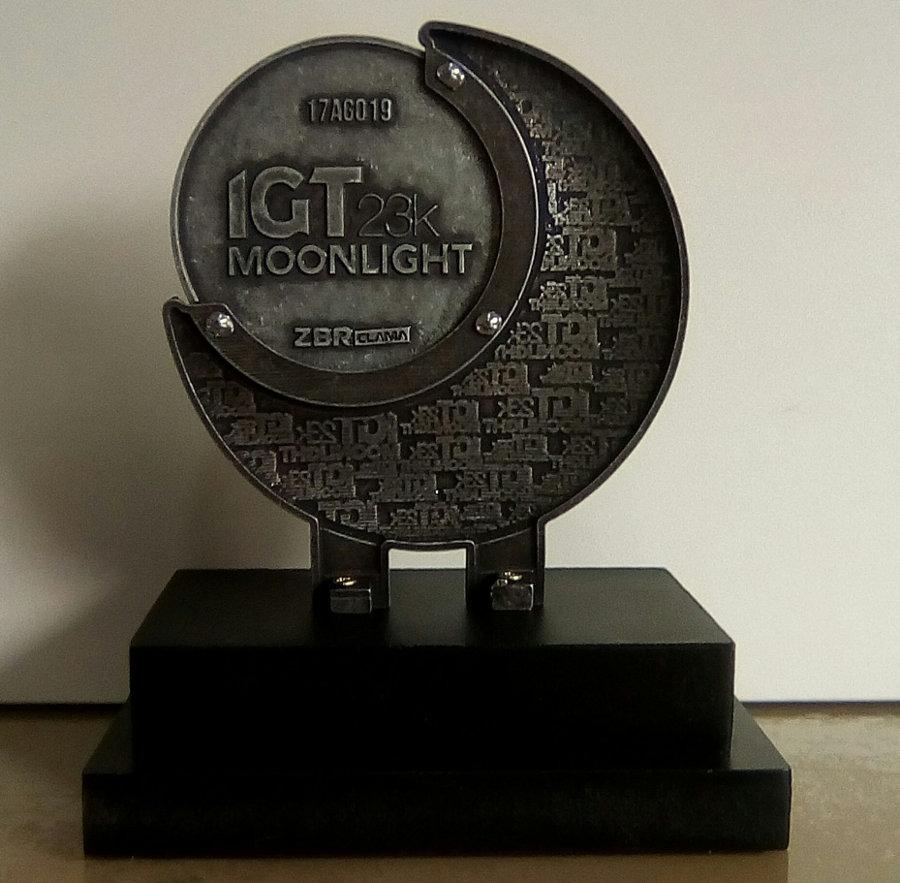 Verso do troféu de 1° na faixa etária M5059